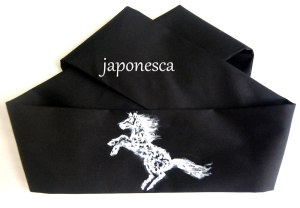 A horse painted in Japonesca's way for this japanese headband.